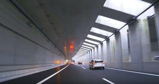 外環 トンネル内001.JPG